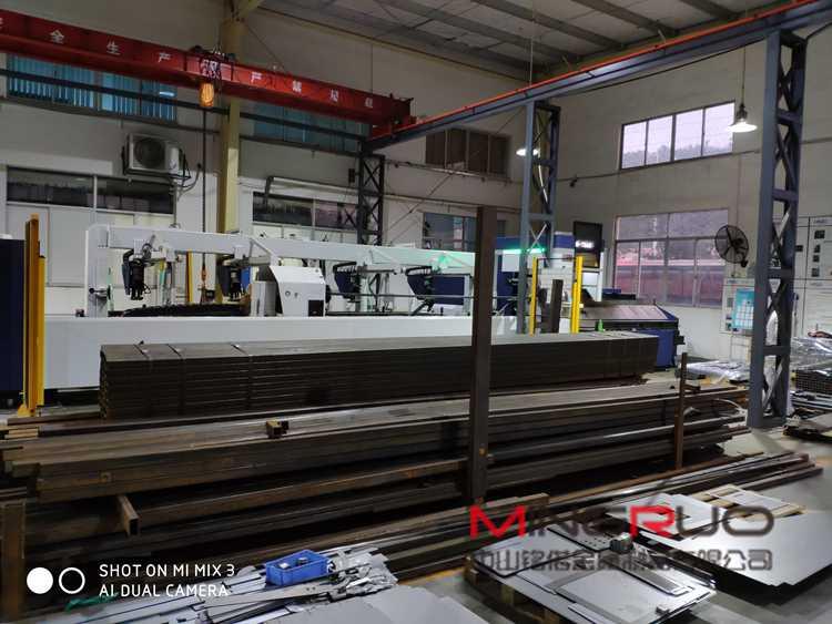 金属铣床在钣金行业中必不可少 广州铭偌钣金加工厂