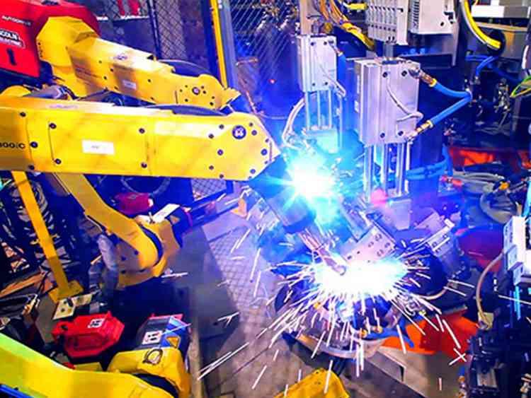 中小型钣金加工厂中引进焊接机器人的注意点-中山铭偌金属