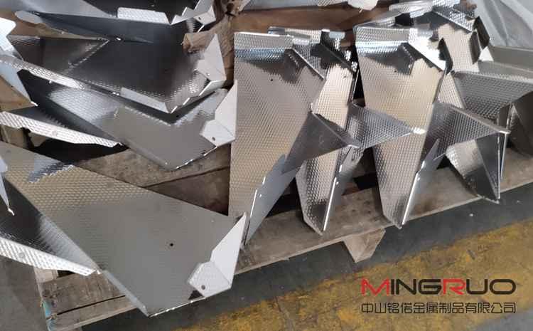 钣金加工厂计算钣金产品制造成本的四个步骤-钣金加工珠海机箱机柜设备外壳激光切割中山铭偌金属制品有限公司