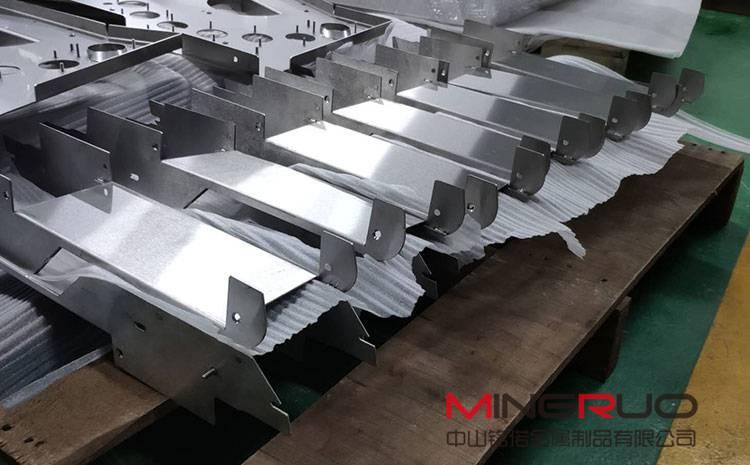 原来不锈钢也会生锈?美观的不锈钢制品又是如何生产出来的呢?